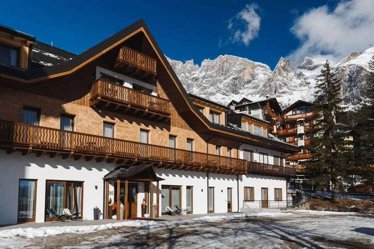 Fassade residence hotel langes san martino di castrozza